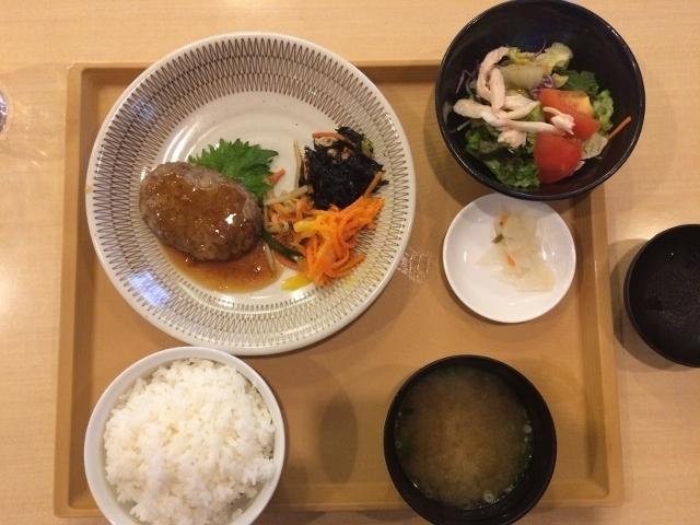ジョナサン ランチ つくね膳 東大島駅前店: アメリカンミリタリーフード